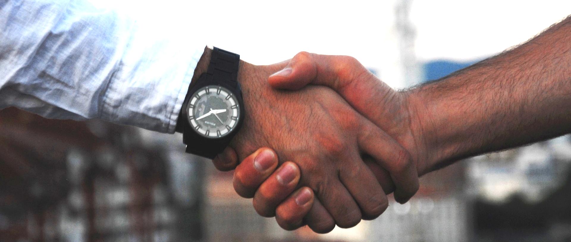 handshake-testimonials Testimonials